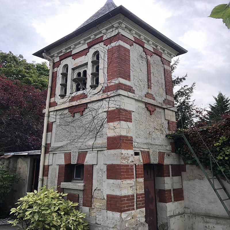 photo d'une bâtisse avant sa rénovation