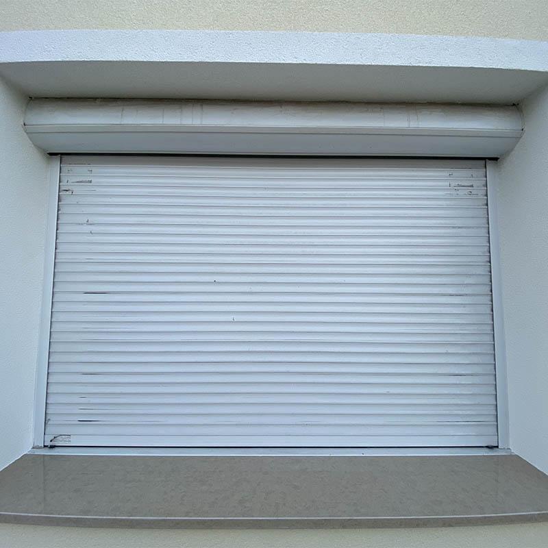photo d'un appui de fenêtre en granit beige