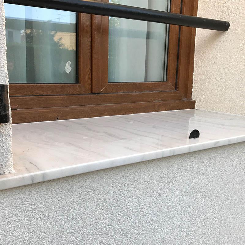 appui de fenêtre effet marbre blanc