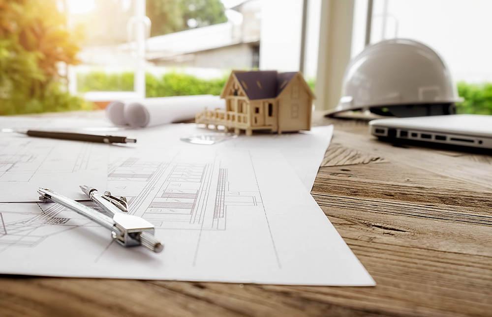 plan d'architecture sur une table