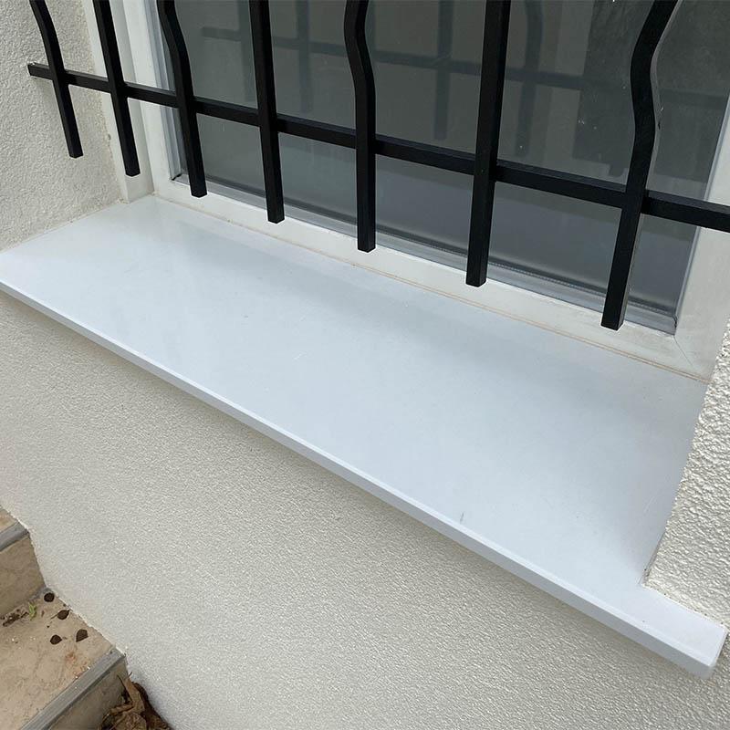 photo d'un appui de fenêtre en quartz blanc