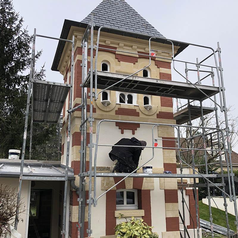 vue d'un bâtiment pendant sa restauration